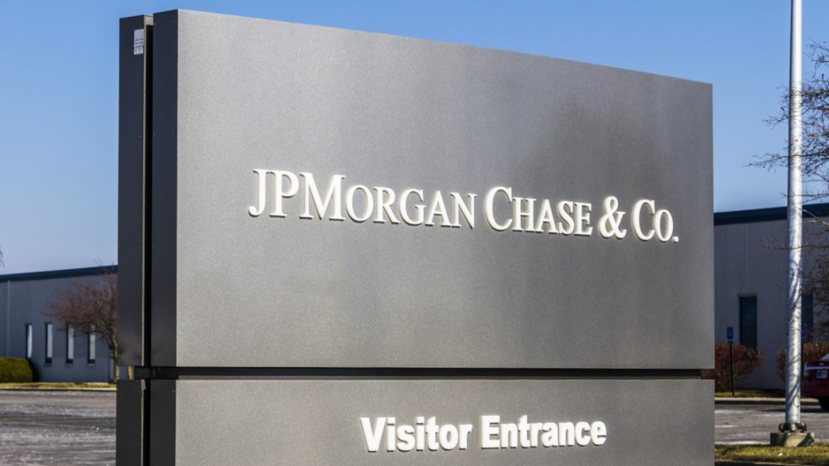 JPMorgan Says Investors Can Put 1% of Their Portfolios in Bitcoin Despite Calling It a Poor Hedge