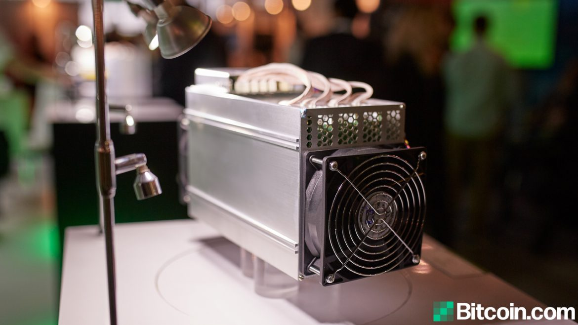 Report: China's Bitcoin Hashrate Dominance Dives, 'North America Could Steal the Lead'