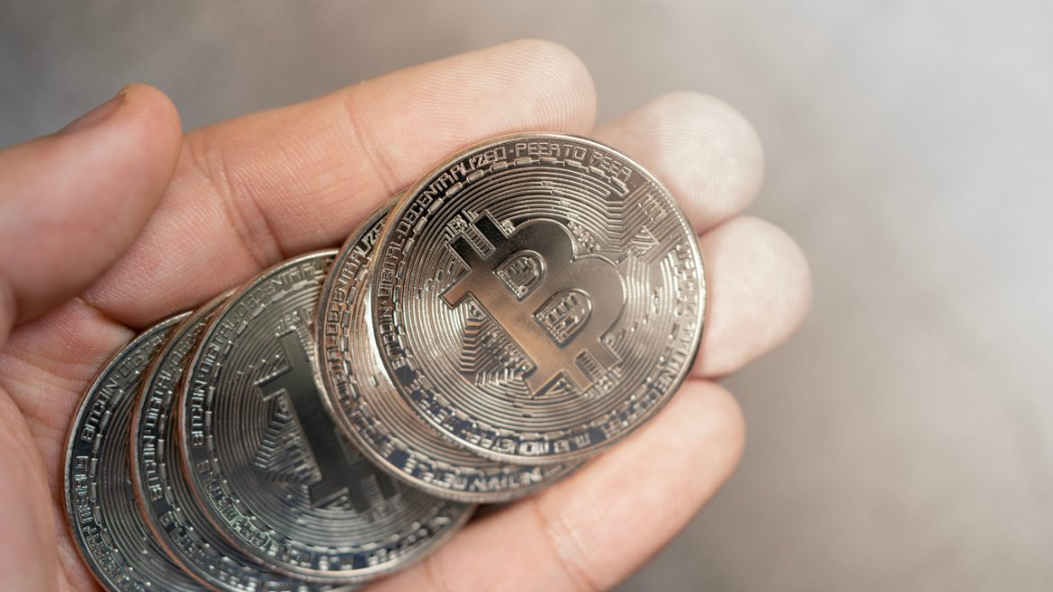 10,000 Financial Institutions Can Now Let Customers Buy, Sell, Hold Bitcoin Through Their Bank Accounts