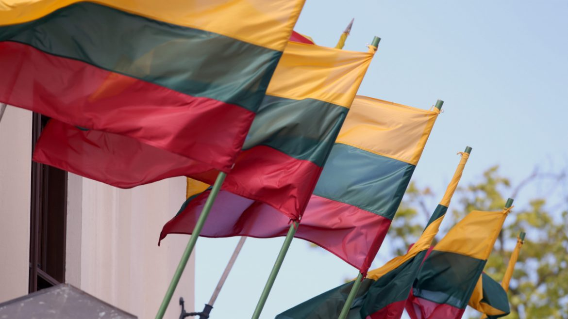 Lithuania Issues Warning to Binance, Warns Investors Crypto Services Are Not Regulated